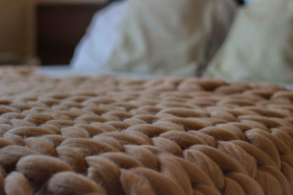 Mega vlna přes přes postel