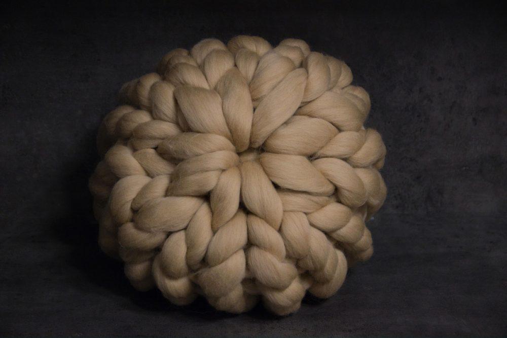 Kulatý pletený polštář