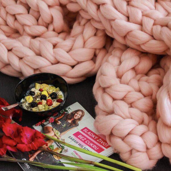 Giga pletení na rukou růžová deka