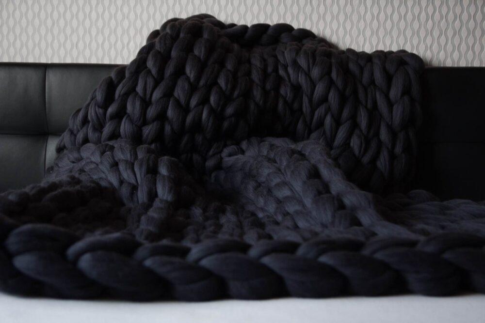 Gigantická hrubá deka ručně pletená z heboučké merino vlny